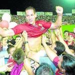 Acciari celebra la salvación, tras el 3-0 al Real Jaen (Temporada 2001/02)